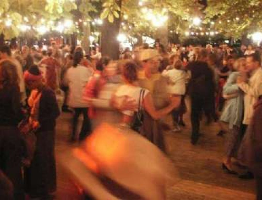 Atelier du lundi 16 novembre 2015 : 20h30 danses traditionnelles Régionales