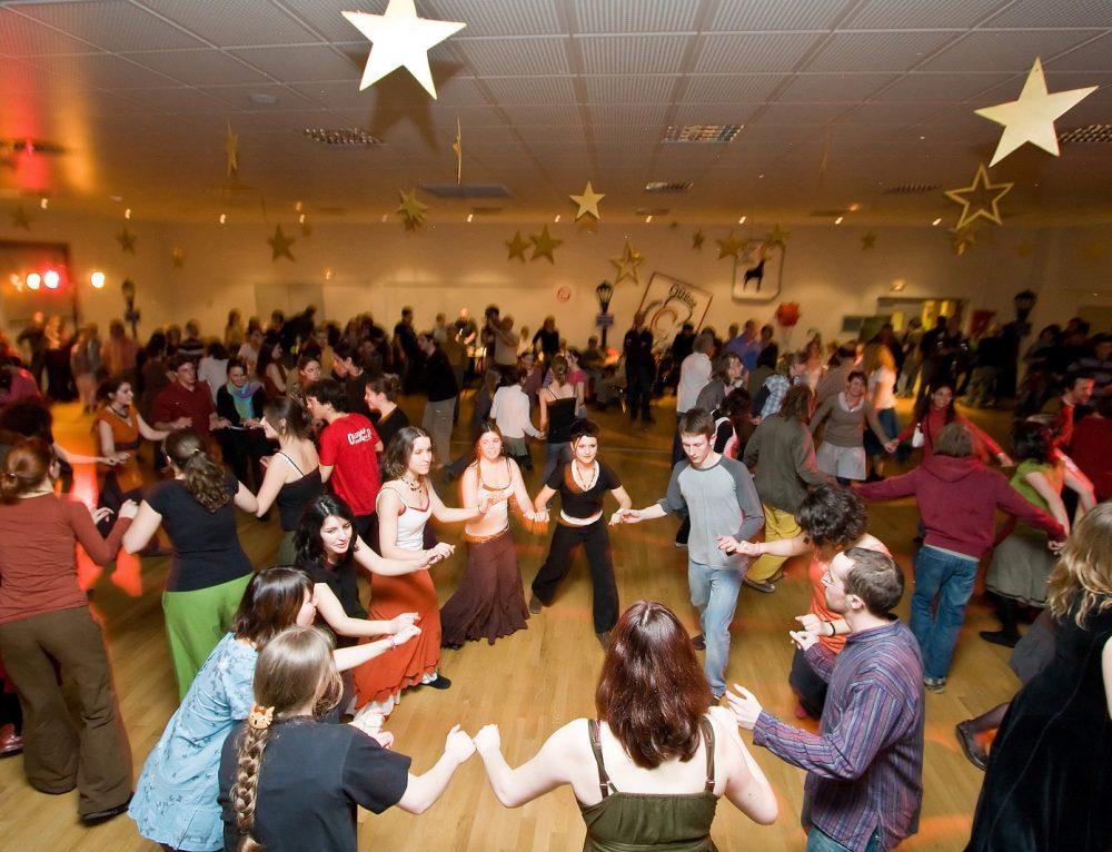 Cours  danse folk débutant octobre 2017