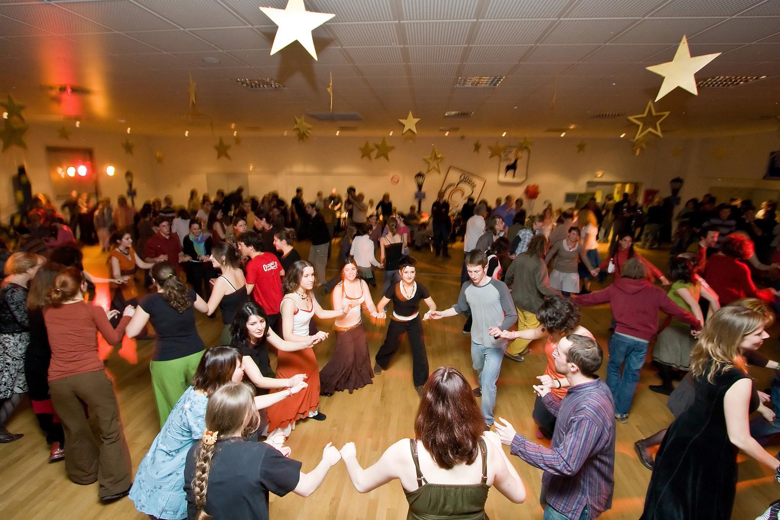Découvrir le cours de danse folk en vidéo
