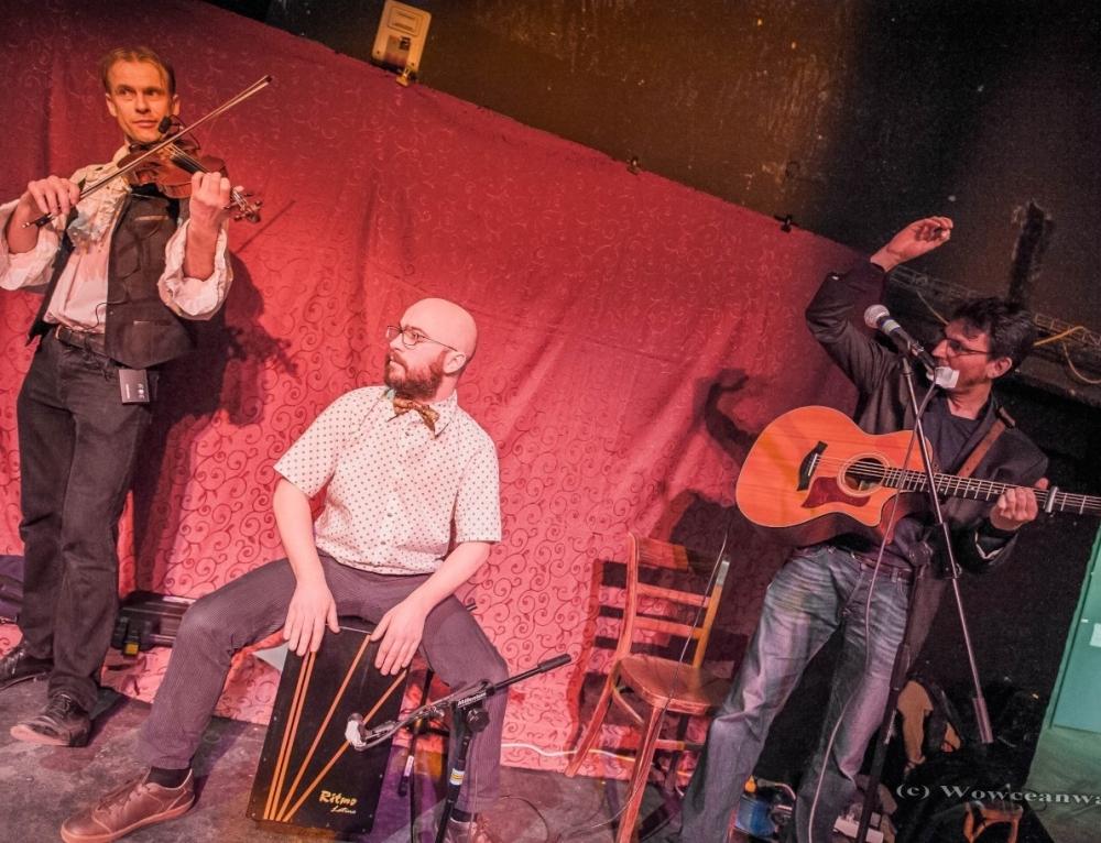 Jeudi 30 novembre 2017 : bal folk avec Les four guys en trio