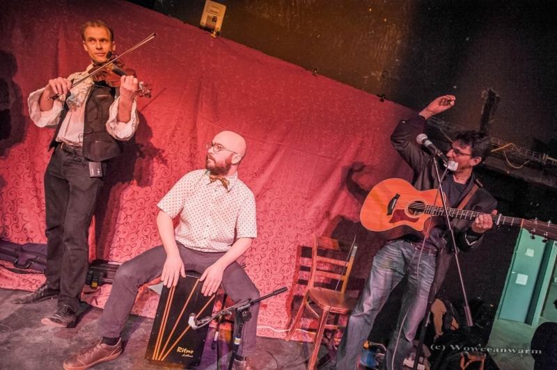 four guys trio Bal folk
